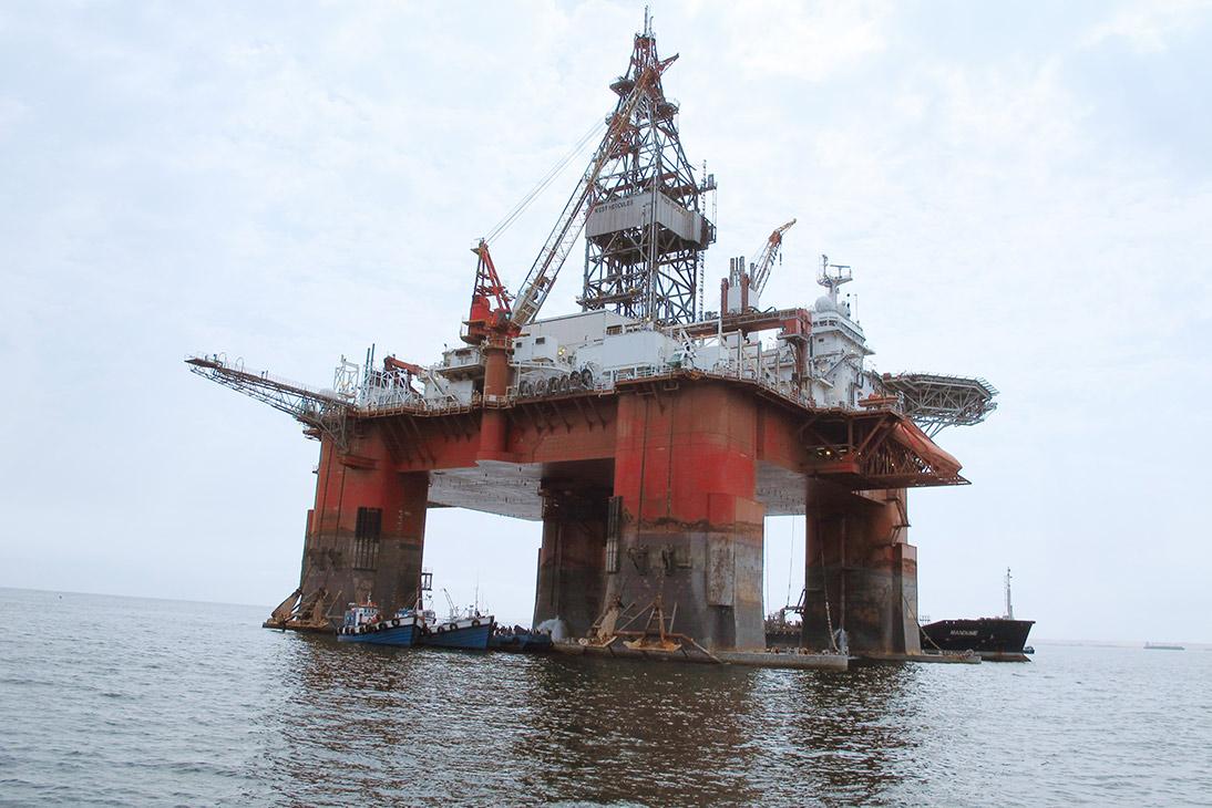 Vi har nødvendig sikkerhetsgodkjenning og er kjent med rutinene for arbeid offshore.